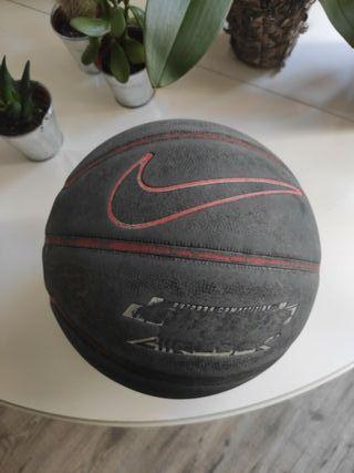balón de baloncesto Nike