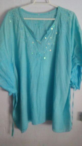 camisas de algodón una en azul turquesa y otra en