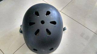 casco de patines
