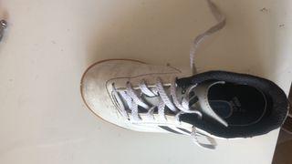 Zapatillas Adidas niño blancas num 31