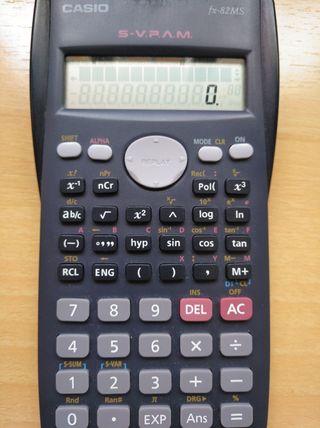 Calculadora Casio fx - 82MS