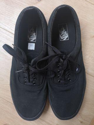 Zapatillas Vans color negro talla 45