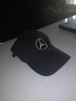 Gorra Negra Ajustable