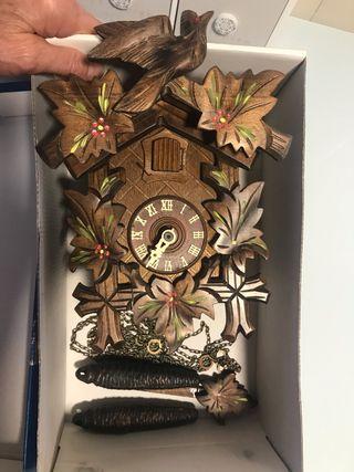 Reloj de cuco muy muy antiguo