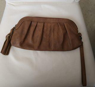 bolso de mano color cuero Accessorize