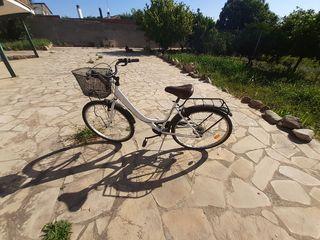 Bicicleta mujer de paseo.
