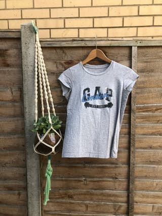 Gap basic T-shirt