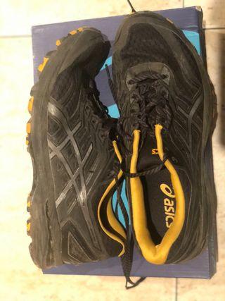 Zapatillas deportiva asics