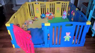 Parque infantil bebé niño