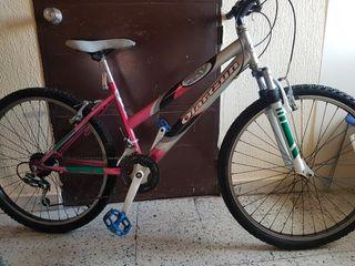 """Bicicleta Mujer 26"""" funciona muy bien ,OFERTON"""