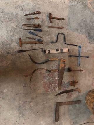 Herramientas varias de carpintería