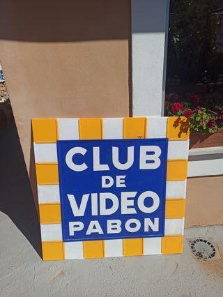 Cartel antiguo de vídeo club