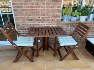 Juego mesa y 2 sillas terraza/jardín ÄPPLARÖ