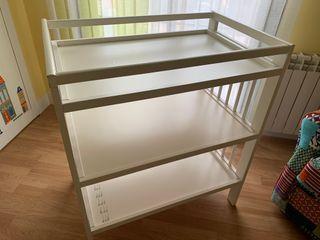 Mueble cambiador para bebes Ikea