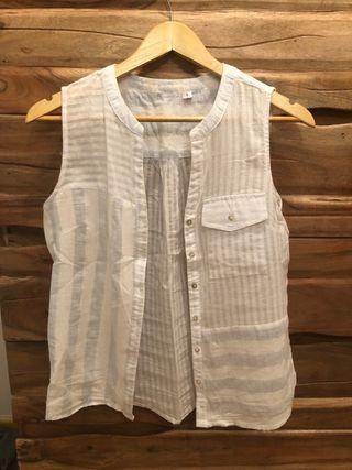 Camisa sin mangas rayas azul y blanca