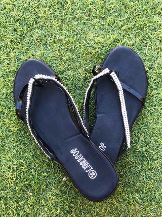 Sandalias con brillantes talla 38