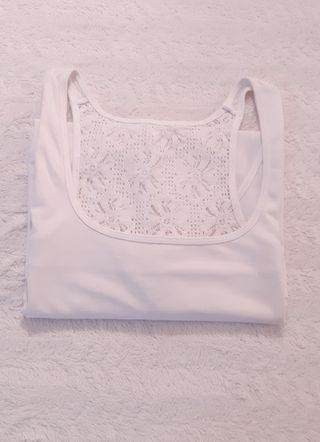 camiseta blanca XL.