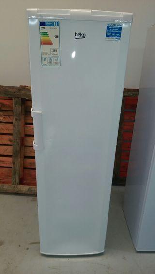 Congelador Beko Nuevo vertical