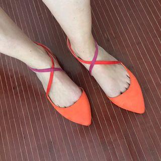 Sandalia plana de Zara talla 40 tricolor