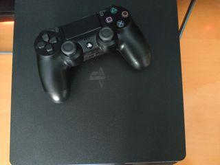 PlayStation 4 Slim y juegos