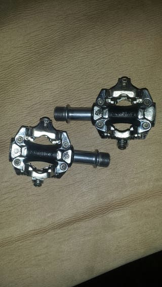 Se vende pedales automático