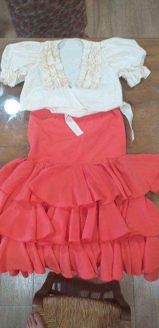 falda rociera y blusa