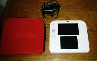 Nintendo 2ds color blanco y rojo