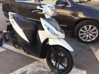 Moto Suzuki Address