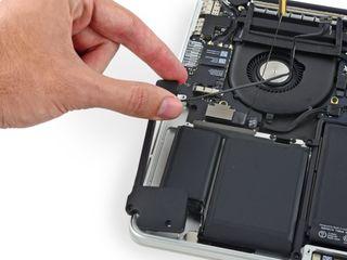 Reparación altavoces Macbook air, pro