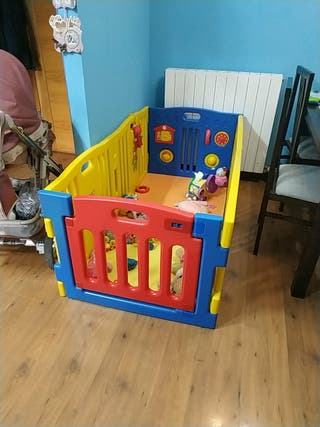 parque infantil vallado