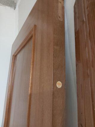 puerta de madera maziza