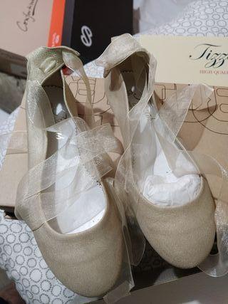 zapatos niña con lazo prácticamente nuevo 4 horas