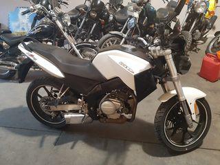 naked 125cc
