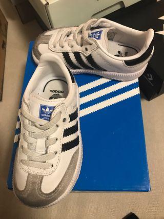 Zapatillas bebe Adidas Samba talla 20