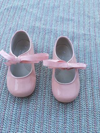 Zapatos charol para niña 22