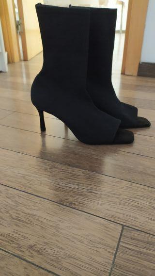 Zapatos de tacón negros de segunda mano en Viladordis en