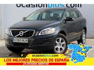Volvo XC60 D4 Momentum Auto 120 kW (163 CV)