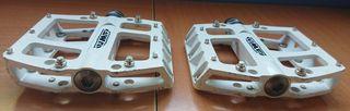 pedales UMF aluminio