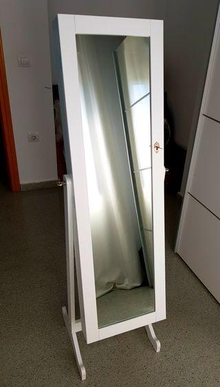 Joyero de pie con puerta y espejo