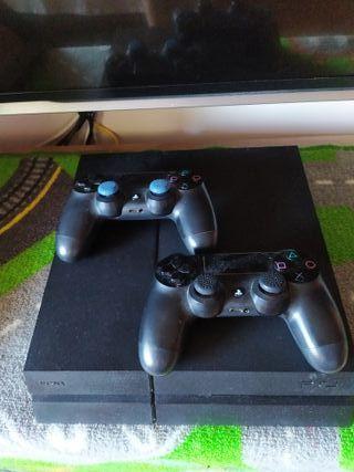 ps4 500gb, con 2 mandos originales y juegos.