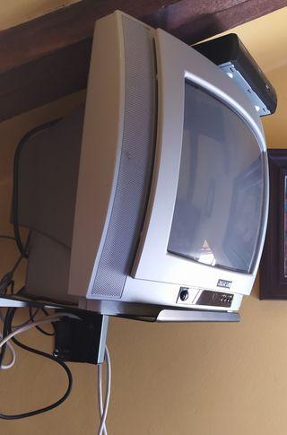 Televisión, TDT, soporte colgar