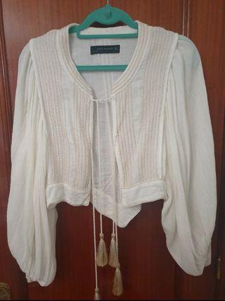 Chaqueta Zara Blanca y Dorada