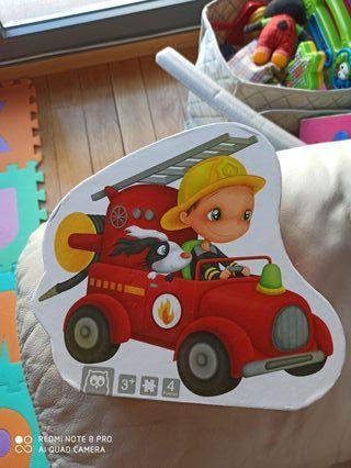 Puzzle de bomberos niños.