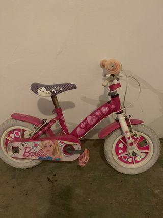 Bici barbie con ruedines