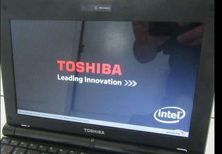 Ordenador portátil Toshiba POCO USO