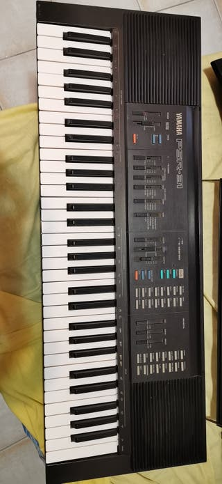 Teclado (piano) Yamaha PSR31