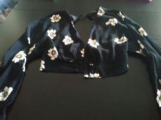 Blusa crop top estampada