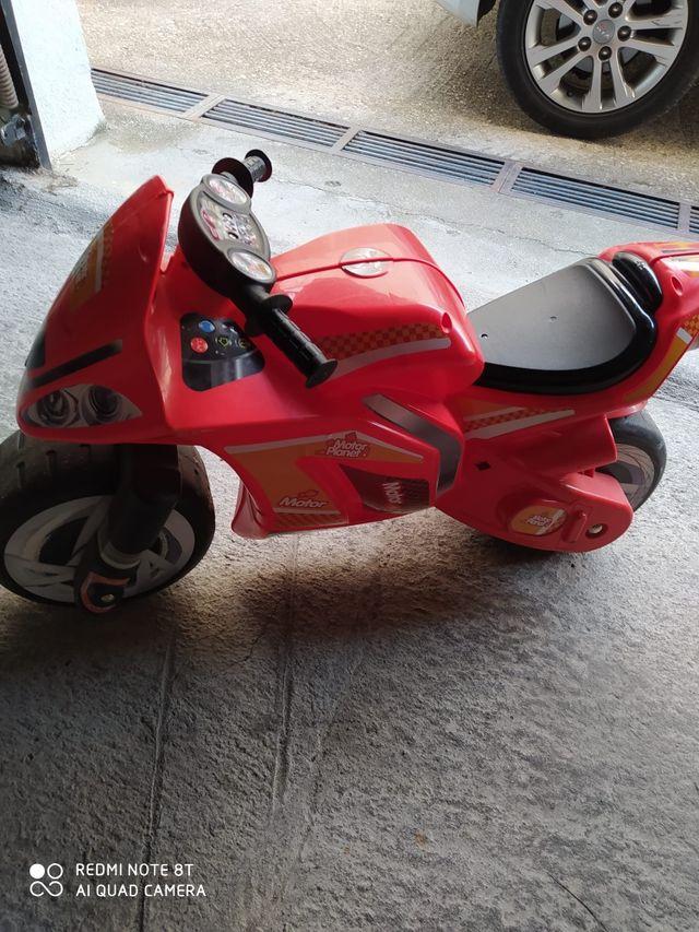 Moto Corre pasillos