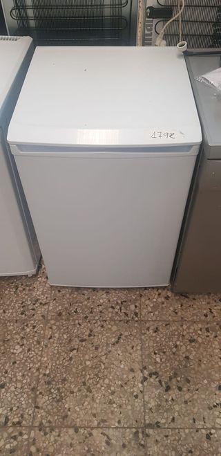 congelador pequeño blanco