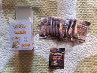 Caja nueva de 30 stickers cromos Pokémon